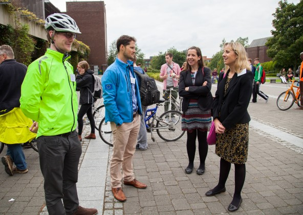 09/09/2015 University of Limerick, Green Campus Flag assessment team tour. Pictured on tour were, Sean Collins and Ross Higgins, Smarter Travel with assessment officers, Meabh Boylan and Jane Hackett. Picture: Alan Place/Fusionshooters.